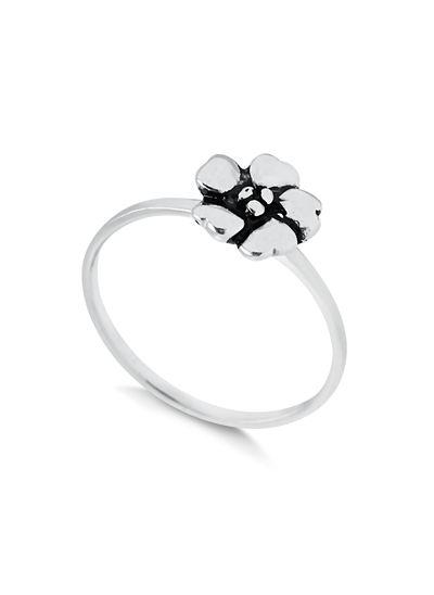 anel-com-detalhes-em-flor-em-prata-925