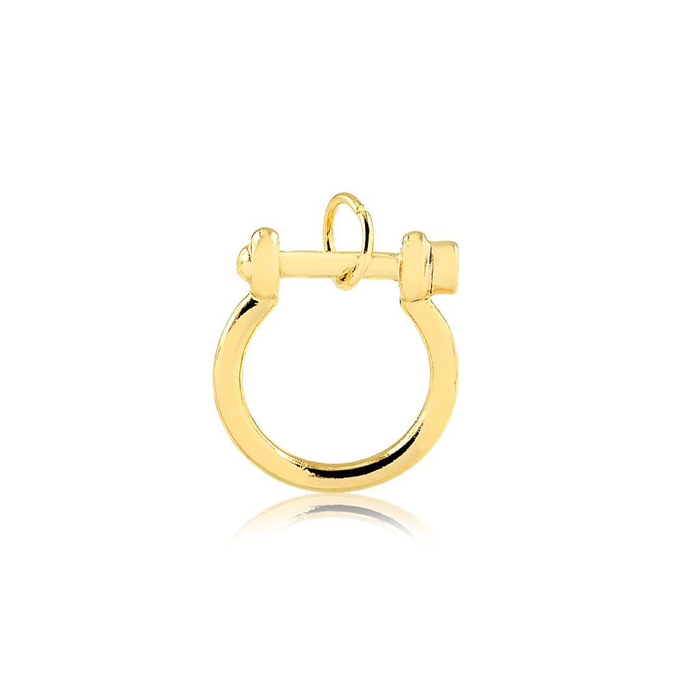 Pingente-com-design-de-argola-banhado-em-ouro-18k